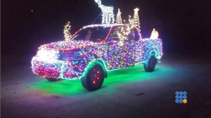 WebBuzz du 20/12/2016: Décorations de Noël 14000 leds sur sa voiture-Christmas decoration 14000 led on his car