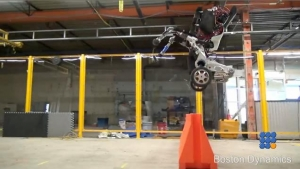 WebBuzz du 01/03/2017: Robotique Le dernier né de Boston Dynamics-Boston Dynamics shows its last creation in robotics