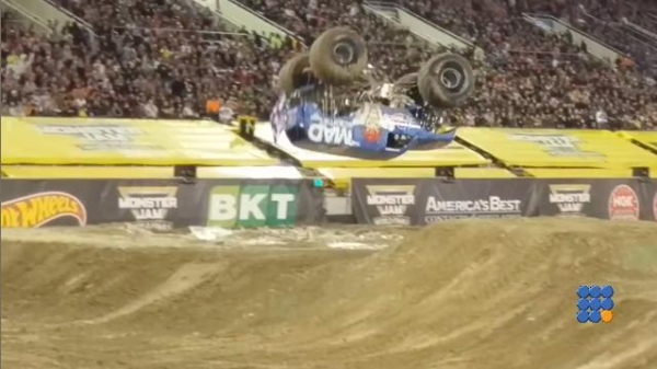 WebBuzz du 04/09/2017: Premier frontflip en monster truck-First front flip by a monster truck