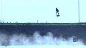 WebBuzz du 12/04/2016: Premier test de la flyboard-First test of the flyboard