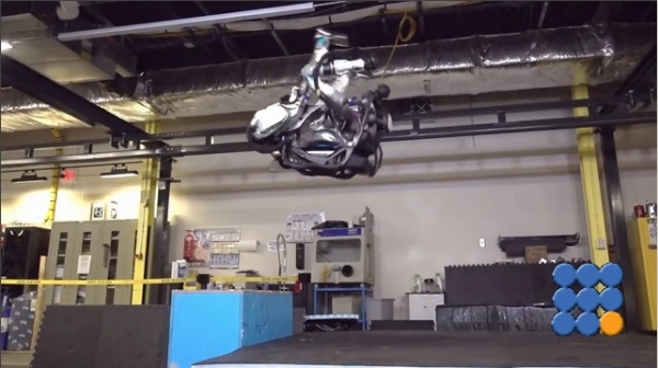 WebBuzz du 17/11/2017: Boston Dynamics fait le cirque avec ses robots-BD prepare to build a circus with his robots