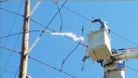 WebBuzz du 31/10/2017: Couper une ligne haute tension-Cutting high voltage power line