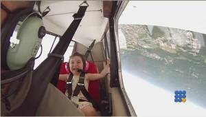 WebBuzz du 22/06/2015: Premier vol acrobatique pour sa fille de 4 ans-First aerobatic flight for his daughter of 4 years old