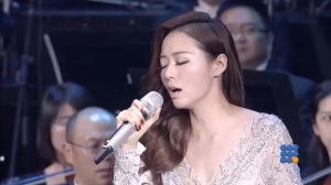 WebBuzz du 06/03/2017: Jane Zhang chante L'opéra du 5ieme élément-Jane Zhang sing the 5th element